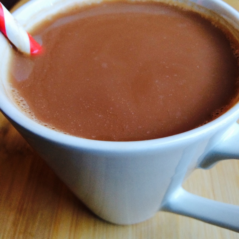 healthy hot chocolate, hot chocolate for valentines day, healthy hot chocolate for valentines day, valentine's day, chocolate, hot chocolate, healthy vegan hot chocolate recipe, vegan hot chocolate, vegan hot chocolate recipe, easy vegan dessert recipes, superfood hot chocolate, cacao hot chocolate, cacao