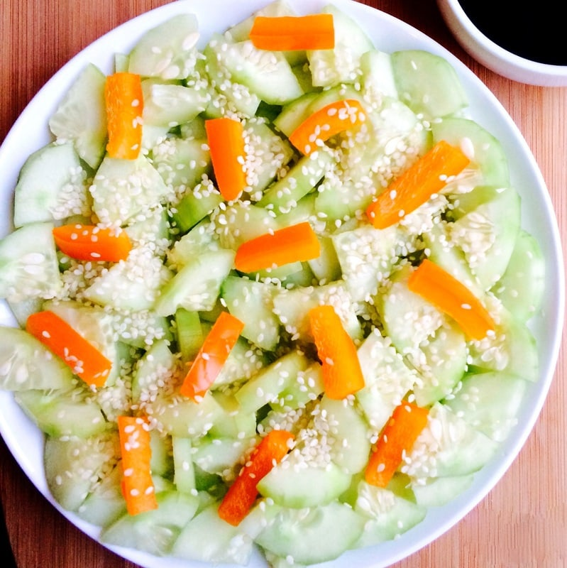sesame cucumber salad, raw vegan cucumber salad, no oil cucumber salad, salad without oil, cucumber salad without oil, cucumber sesame salad without oil, easy vegan salad