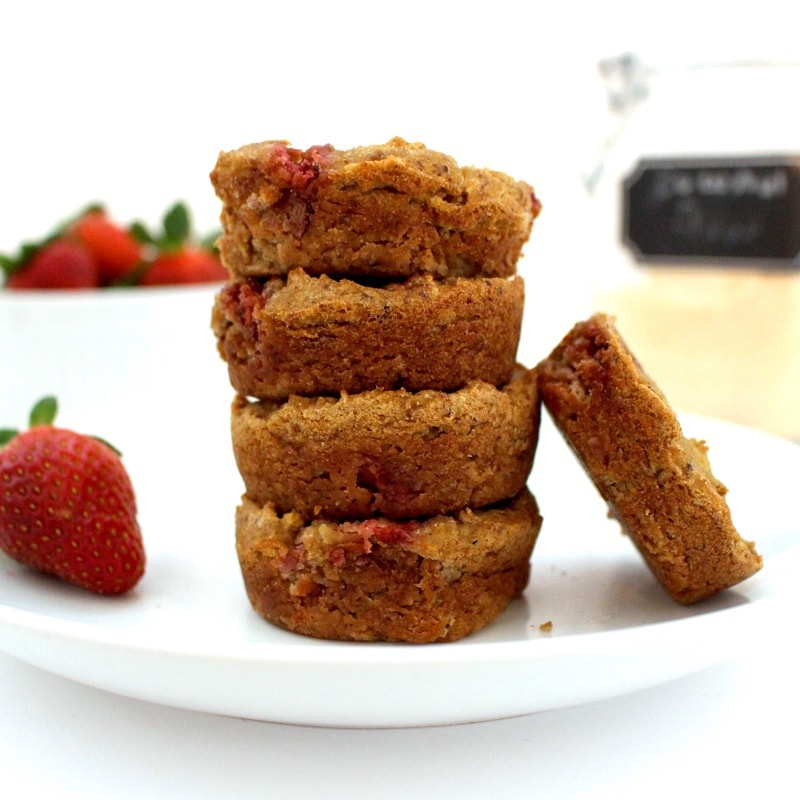Skinny Strawberry Muffins! (Low-Carb, Sugar-Free, Oil-Free, Vegan, Gluten-Free)
