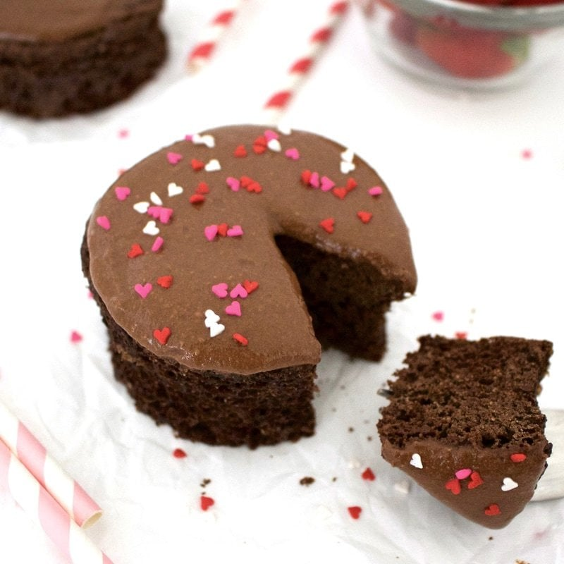 This super healthy Single Serving Chocolate Mug Cake is absolutely delicious! SO easy to make - ready in less than 5 minutes! It's also vegan, whole-wheat, low-fat, sugar-free, dairy-free & low-calorie - only 80 calories for the whole thing!