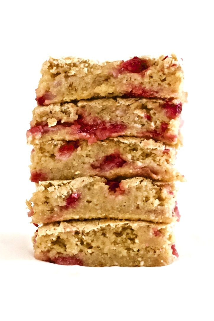 These Vegan Strawberry Shortcake Bars are SO DELISH! They are super easy to make - the perfect, healthy, kid-friendly treat. These bars are also gluten-free, sugar-free, low-fat, oil-free & low-calorie - only 65 calories each!
