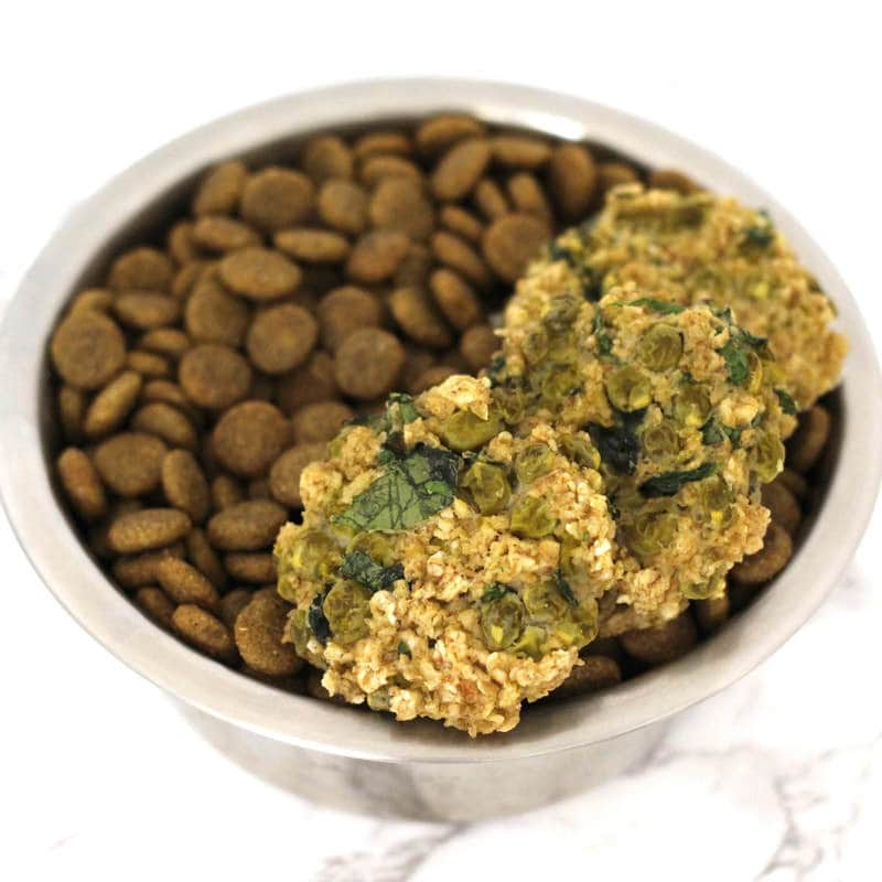 Oatmeal Sweet Pea Spinach Burgers for dogs! A super simple & healthy homemade dog food recipe! (Vegan, Gluten-Free, Oil-Free)