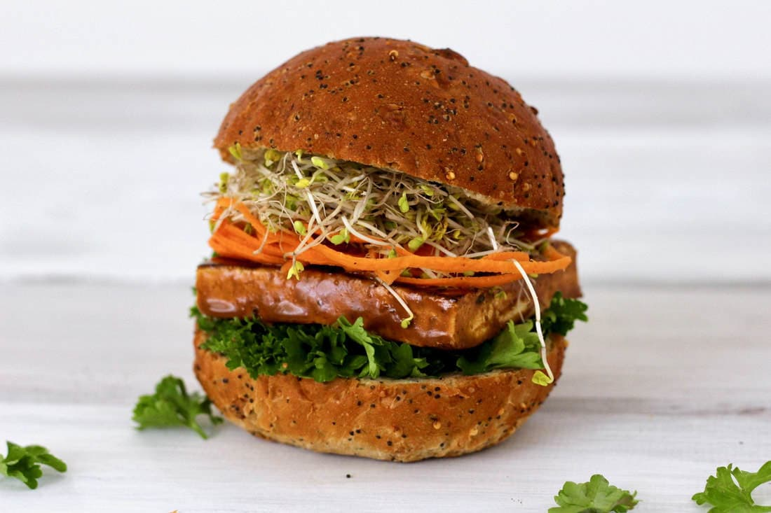 This Thai Peanut Tofu Sandwich is totally delicious! It's vegan, gluten-free, keto, low-carb, dairy-free, oil-free & and vegetarian. Also super easy to make & packed with fiber and protein. The perfect, healthy lunch!