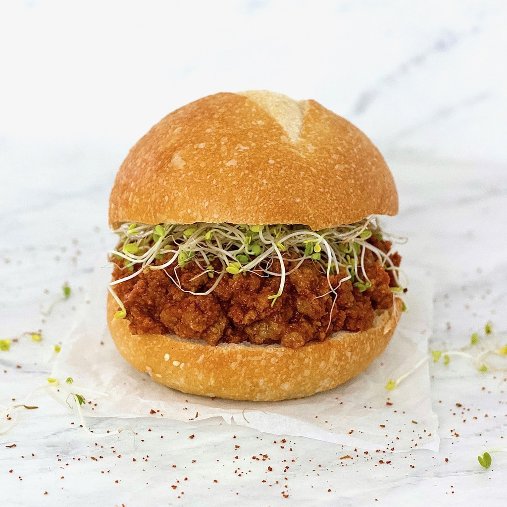 These Vegan Sloppy Joes are AMAZING! They taste just like the real thing. Totally healthy and delicious - they're also gluten-free, low-carb, low-fat, keto & vegetarian. The perfect high-protein lunch!
